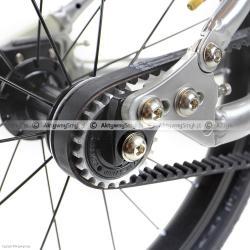 Naciąg paska zębatego w lekkim rowerku Early Rider Belter (wersja 4.15)