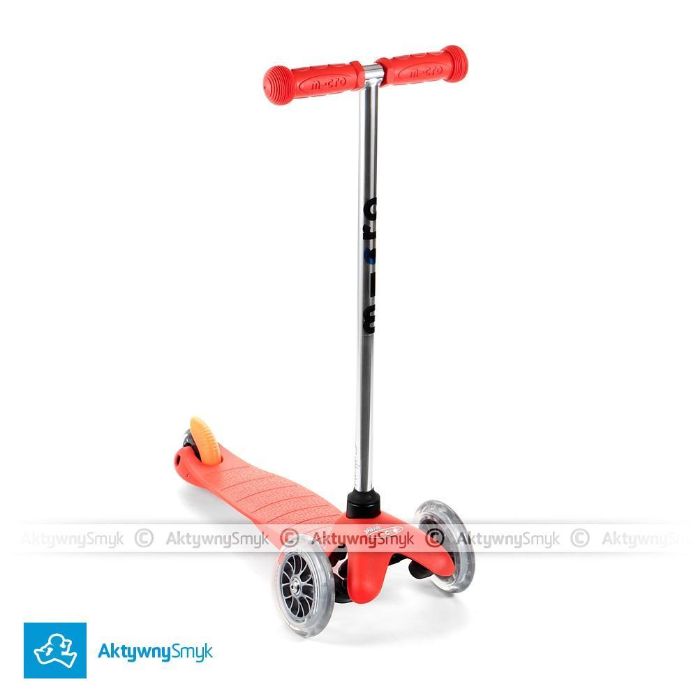 Czerwona hulajnoga Mini Micro dla 2 latka